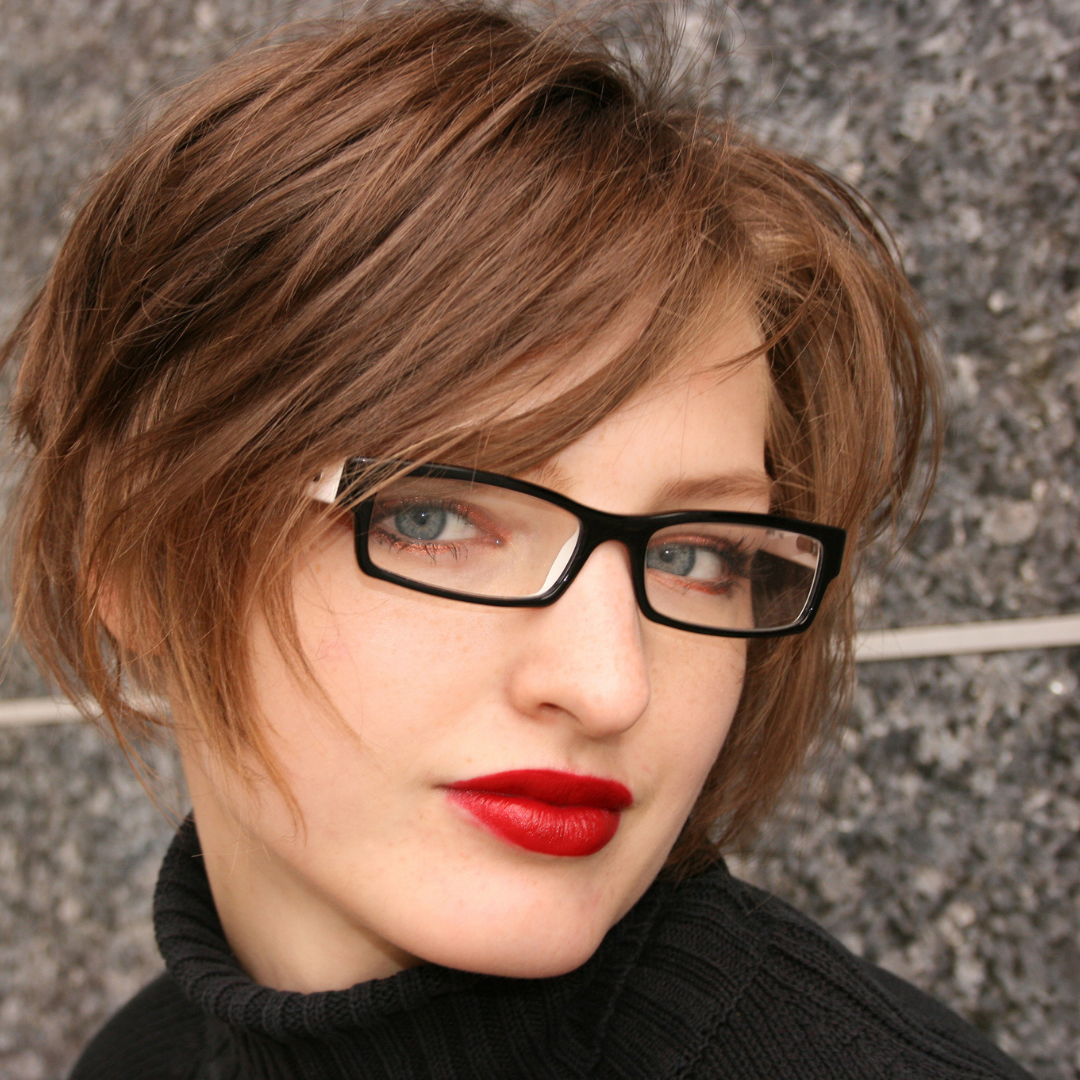 メガネの女性